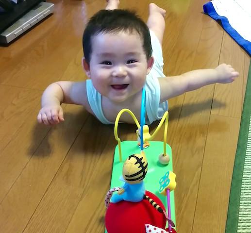 赤ちゃん,ずりばい,ずり這い,ベネッセ,しまじろう,おもちゃ