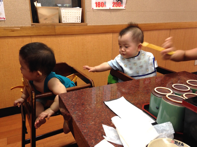 銚子丸,赤ちゃん,椅子