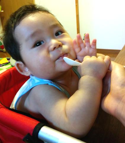 離乳食,9ヶ月,嫌がる,赤ちゃん