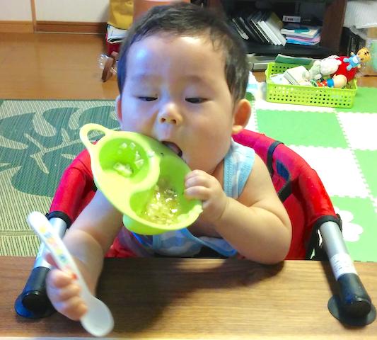 離乳食,9ヶ月,赤ちゃん,遊び食べ