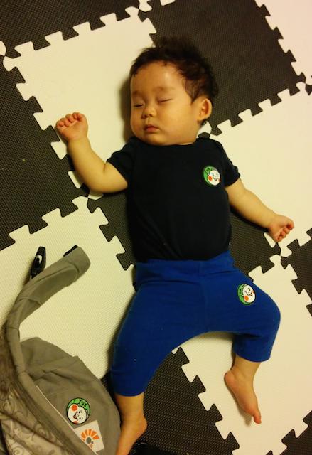 赤ちゃん,9ヶ月,昼寝,ねぞう1