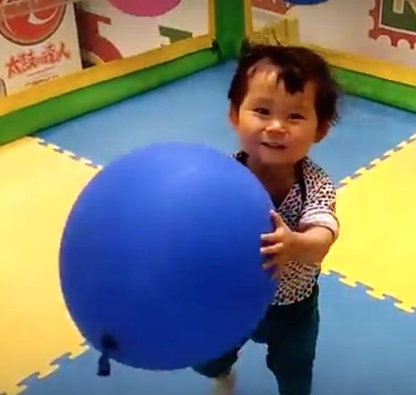 お台場デックス赤ちゃん風船